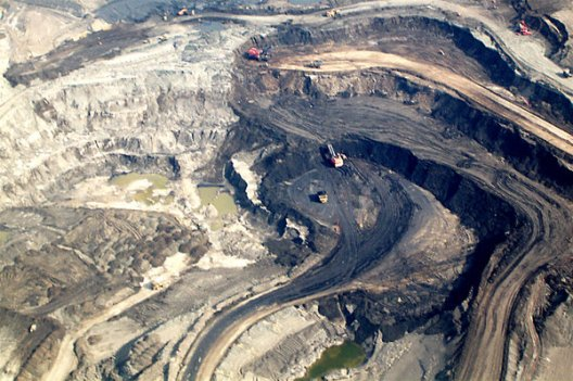 syncrude-open-pit.jpg