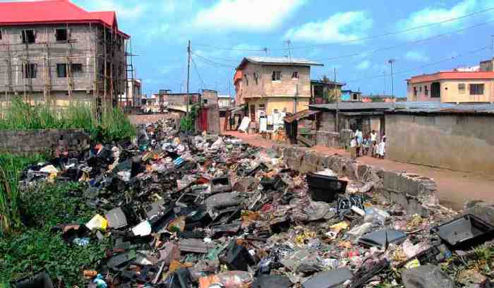 roadside-e-waste-dump-in-lagos-nigeria-basel-action-network-sml
