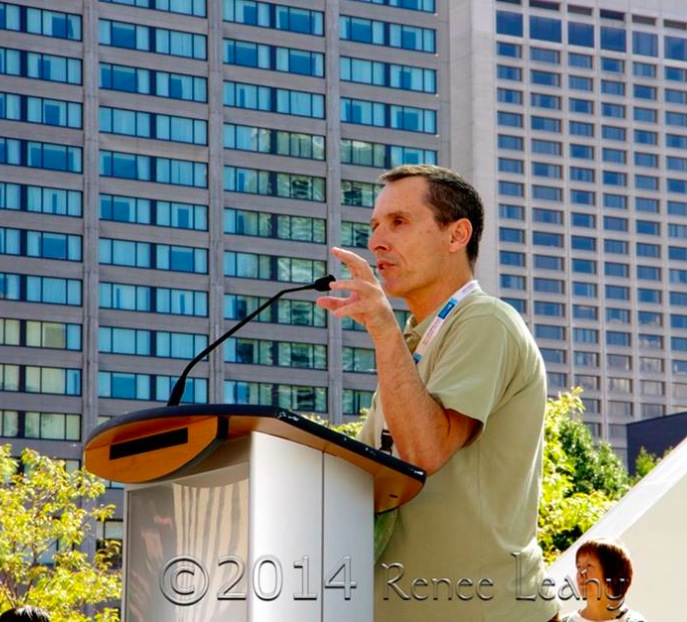 Stephen Leahy speaking at Toronto Climate March 2014